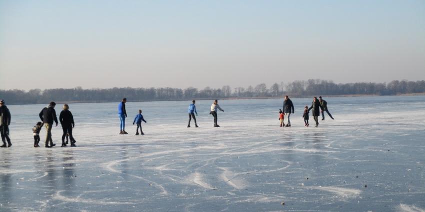 IJspret en schaatsen op het Nannewijd