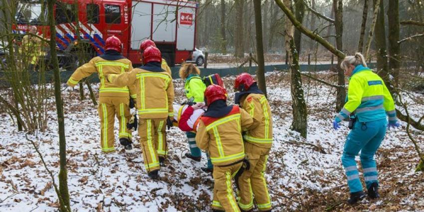 Een schaatser is zaterdagmiddag rond 16.00 uur gewond geraakt tijdens het schaatsen op het Oud Meer nabij de Bestseweg - N620 bij Son en Breugel.