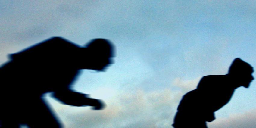 schaatsers-beweging-silhouet-donker