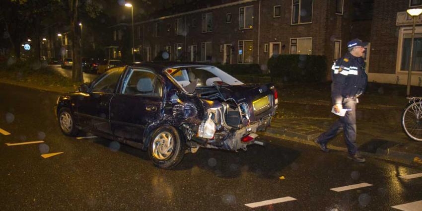 Fors ongeval tussen auto en vrachtwagen in Vlaardingen