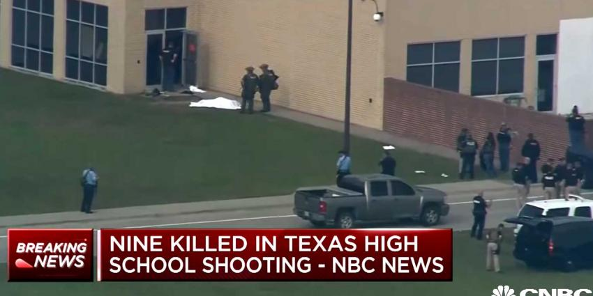 Weer schietpartij Amerikaanse school, minstens 8 doden
