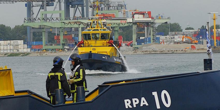 Grote brand op passagiersschip in Hardinxveld-Giessendam