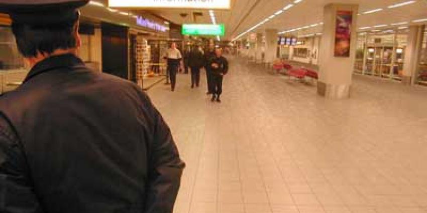 Marechaussee pakt zeven mensen voor diamantroof Schiphol in 2005