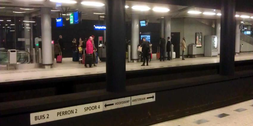 NS kampt met sein- en wisselstoring Amsterdam, op Schiphol ook stremming