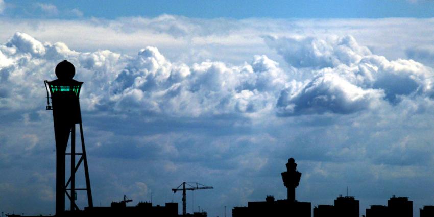 Meer vliegpassagiers dankzij Eindhoven en Schiphol