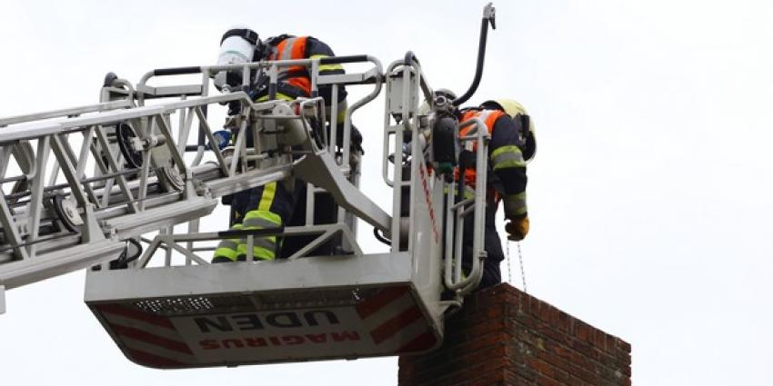 Politie sluit Postelstraat in Esch korte tijd af wegens schoorsteenbrand