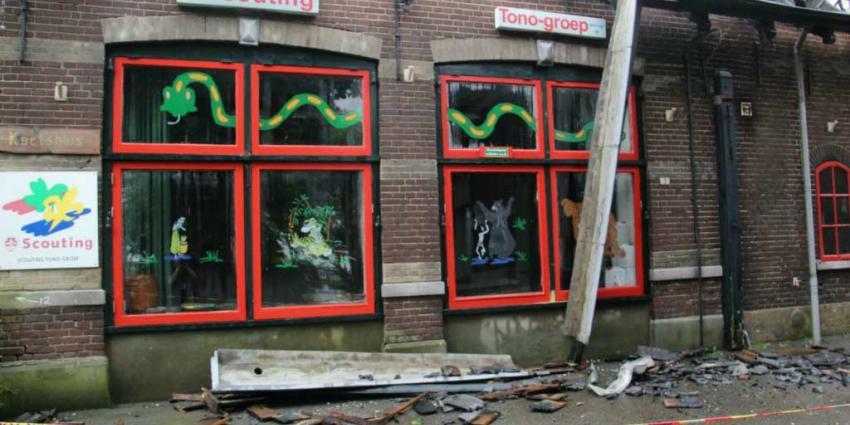 Grote brand verwoest pand scoutingvereniging in Schiedam