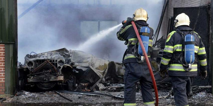 Foto van brandweer bij schuurbrand | Aneo Koning | www.fotokoning.nl