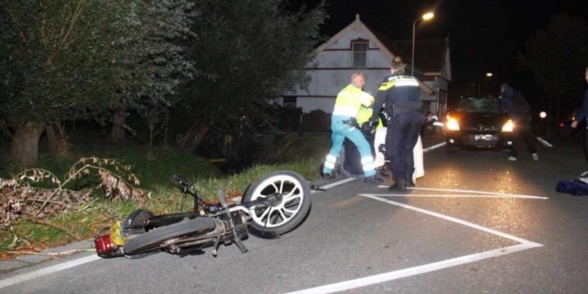 Scooterrijder gewond na flinke aanrijding met auto