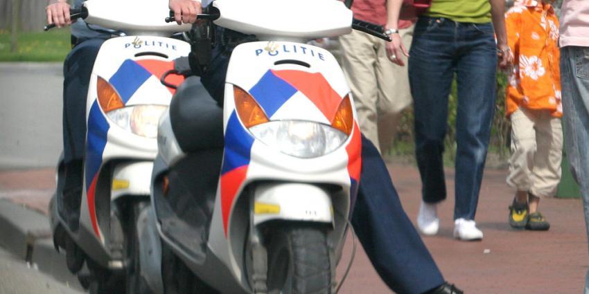 Mogelijke drugsdealer rijdt in op agent, politie schiet twee keer