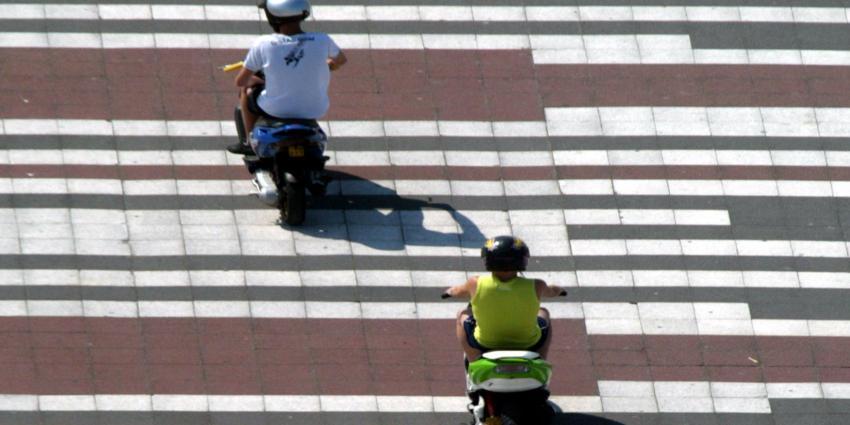 Milieuzone voor oude scooters Amsterdam versoepeld