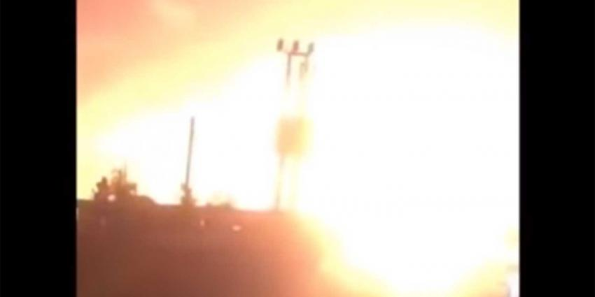Hevige explosies op vliegbasis Syrië, oorzaak nog onduidelijk
