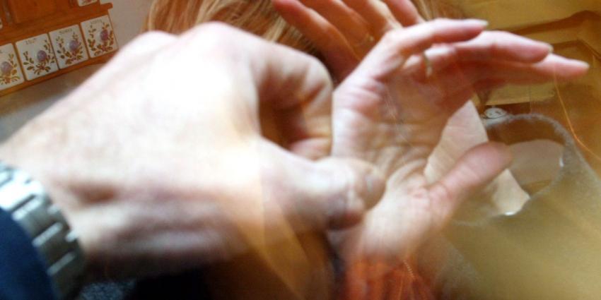 Taskforce wil Nationaal Programma tegen kindermishandeling