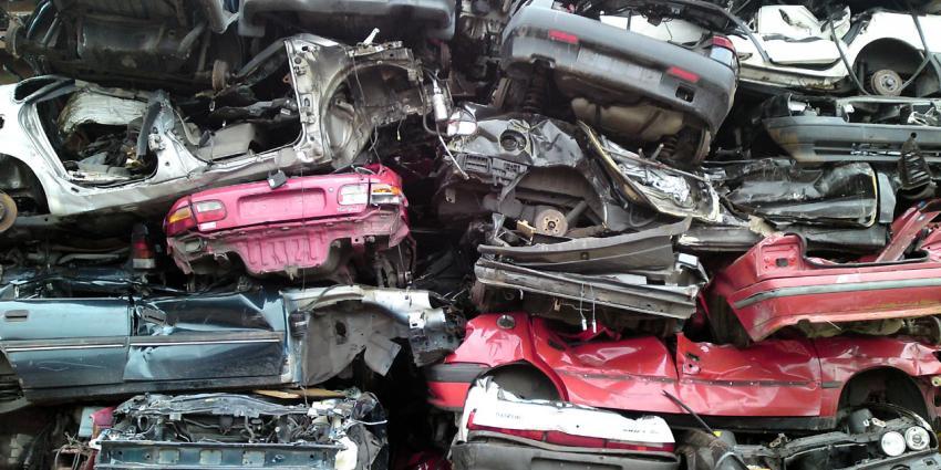 Gestolen onderdelen bij controle vier autobedrijven op De Liede