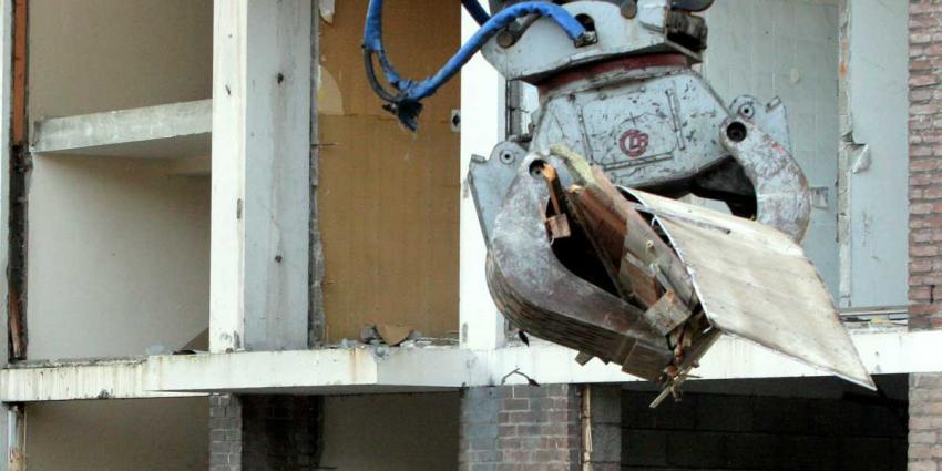 Man onder puin bedolven na instorten gemeentehuis Woerden