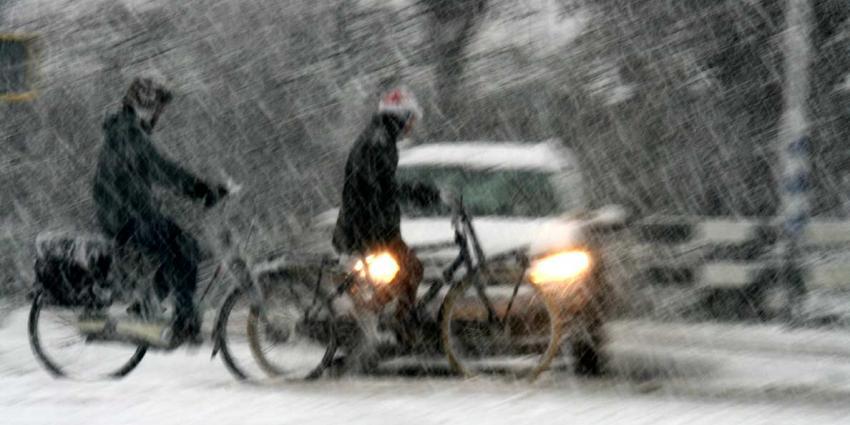 Vannacht en morgenochtend gladheid door sneeuwval