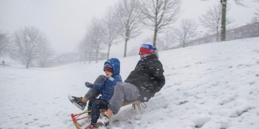 Sneeuwpret maar ook veel overlast door heftige sneeuwval, al 170 aanrijdingen