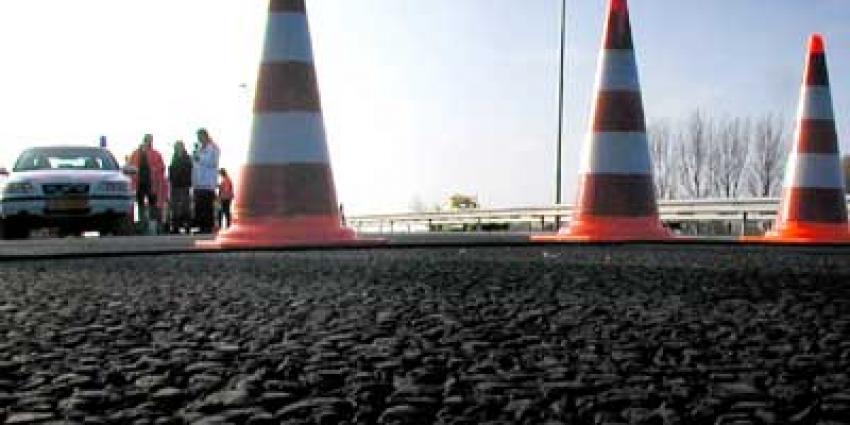 Dieven op A10 met verkeerskegelkarretje aan de haal