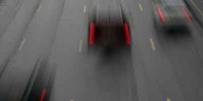 Foto van snelweg auto regen donker   Archief EHF