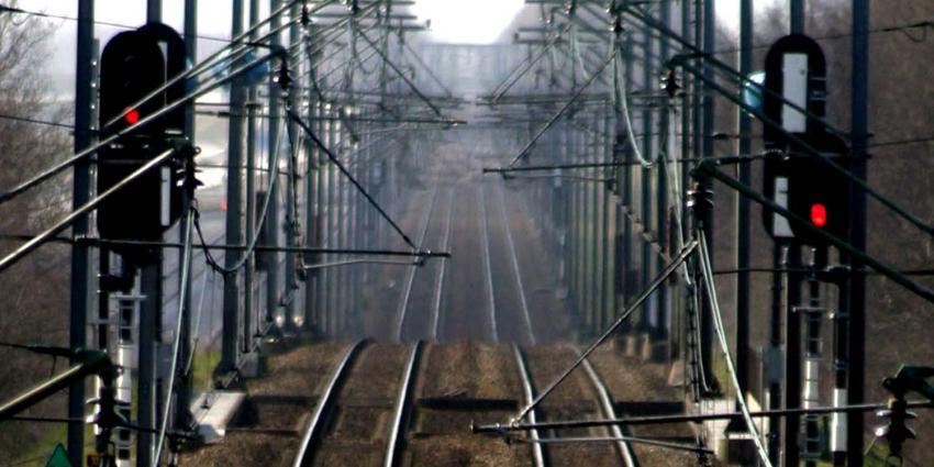 Geen treinen van en naar Woerden door kapotte bovenleiding