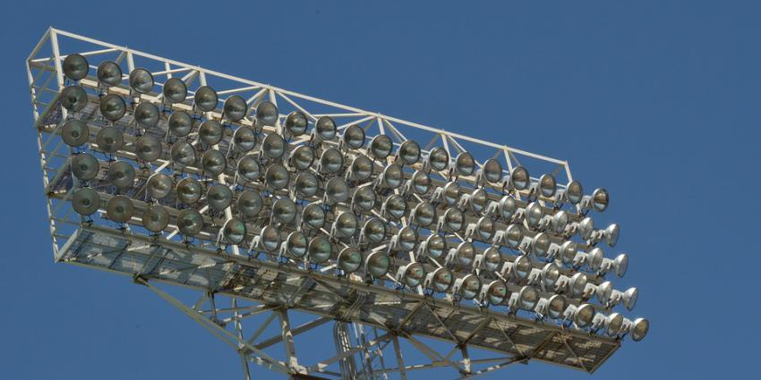 Lichtmasten De Kuip weigeren dienst
