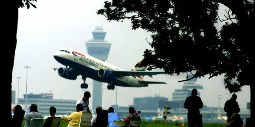 Schipholdrukte:100 dagen met ruim 200.000 passagiers per dag