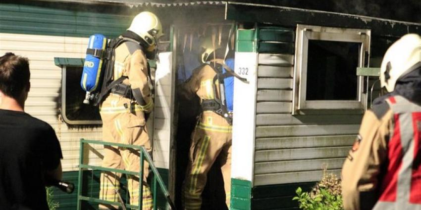 Stacaravan in de fik, brandstichting wordt niet uitgesloten
