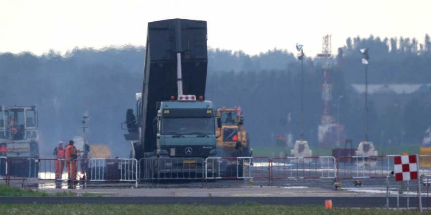 Vliegbasis Eindhoven dicht voor grote renovatie start- en landingsbaan