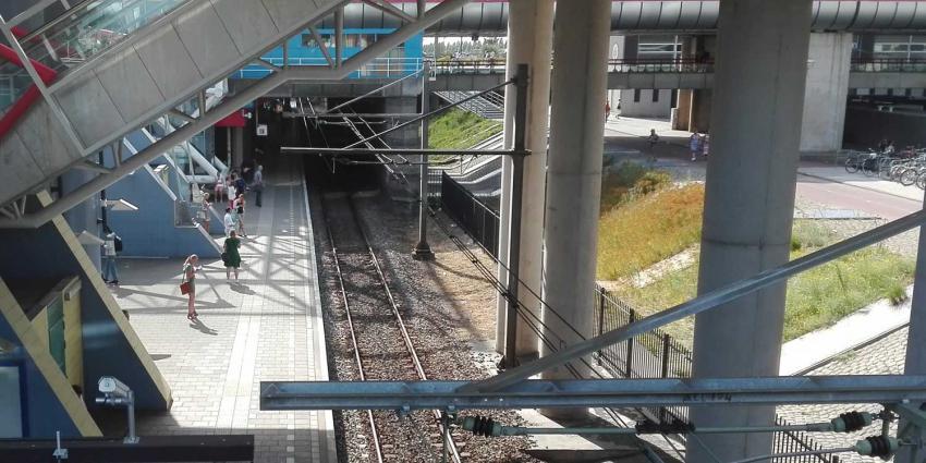 station-mensen-perron
