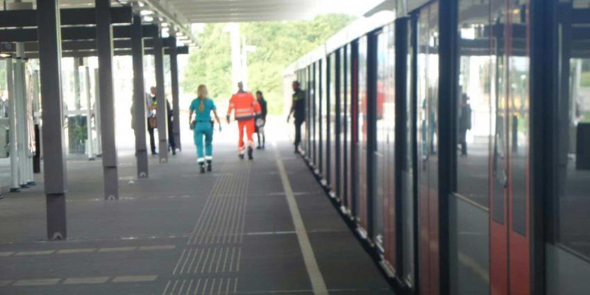 Inspectie onderzoekt aanloop dodelijke steekpartij metro Amsterdam