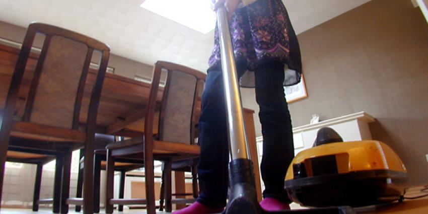 Foto van stofzuigen thuiszorg | Archief EHF