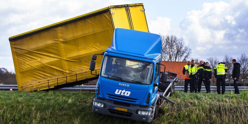 Vrachtwagen van de weg geblazen bij Sint Oedenrode