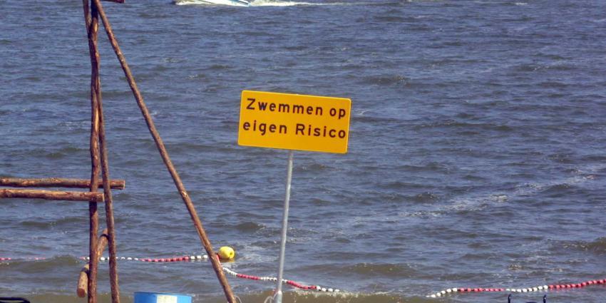 strand-ijburg-zwemmen-eigen-risico