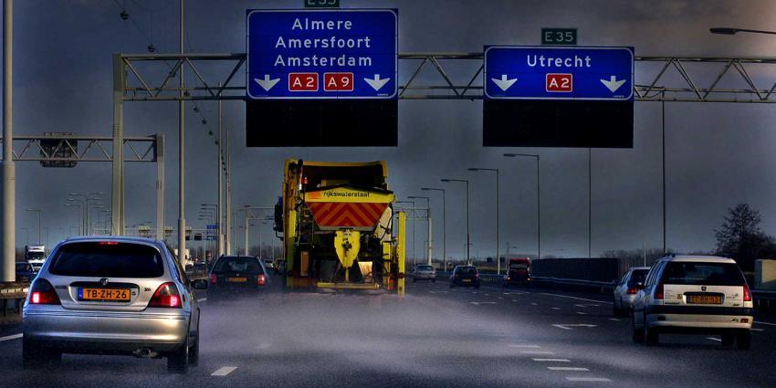 strooien-snelweg-rws-ijzel-sneeuw