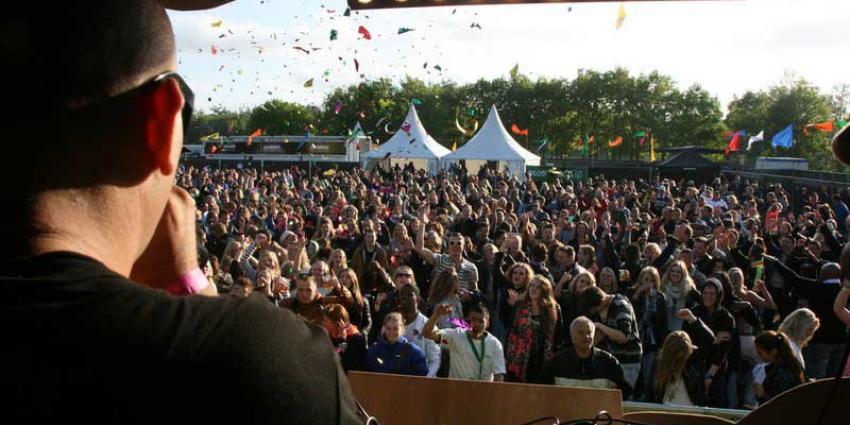 Van Rijn: Grote zalen en festivals goed op weg in tegengaan gehoorschade