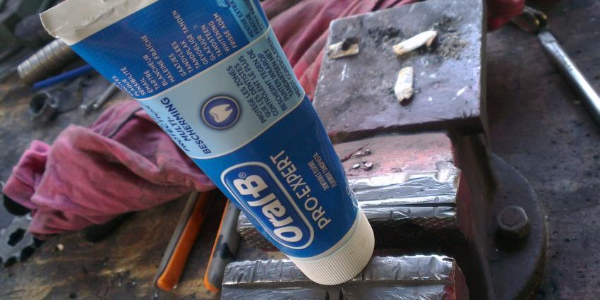 Amerikanen waarschuwen voor explosieve tubes tandpasta