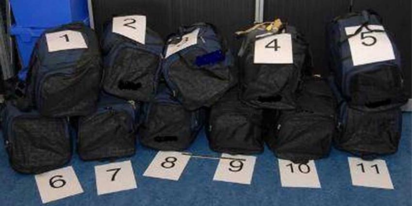 Foto van tassen met cocaïne | Min. van Financiën