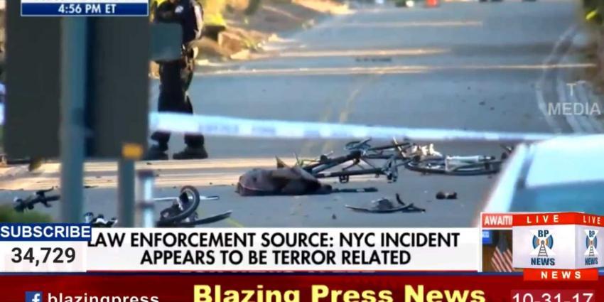 Man rijdt met truck in op voetgangers in New York, 6 doden