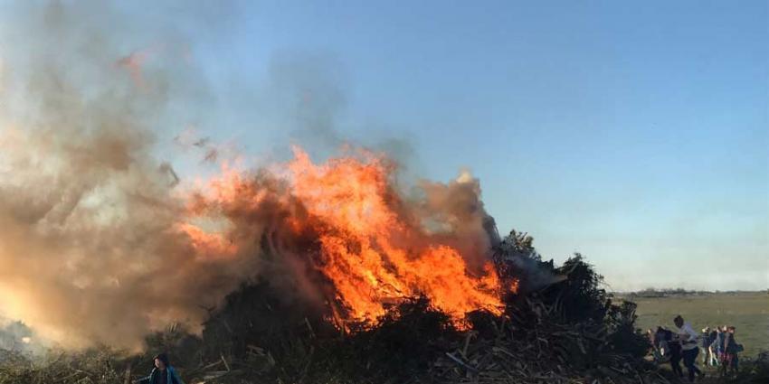 Texel in brand om voorjaar in te luiden