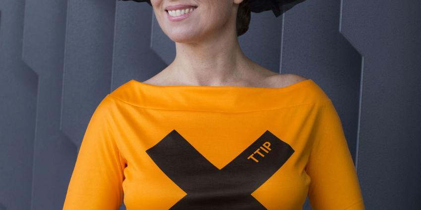 Marianne Thieme op Prinsjesdag in protestjurk om voedselveiligheid