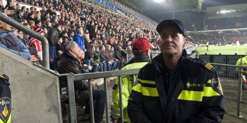 Politie spreekt zorg uit over vuurwerk in en rond voetbal