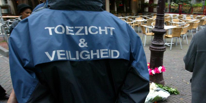 Burgemeester zet extra toezichthouders in na dodelijke schietpartij Amsterdam