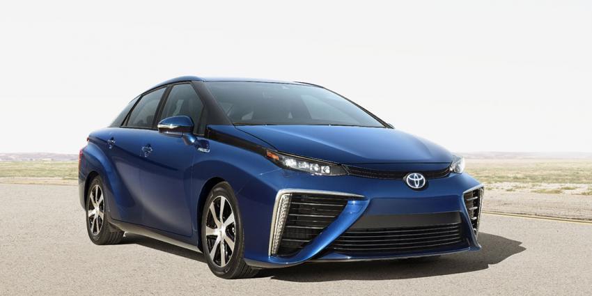 Nieuwe Fuel Cell Sedan ('waterstofauto') van Toyota gaat ''GROEN'' Nederland voorbij