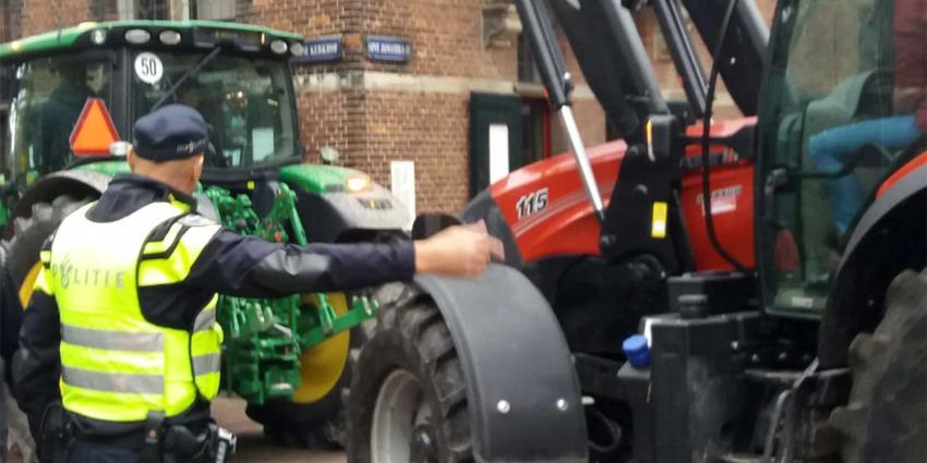 tractor-politieagent