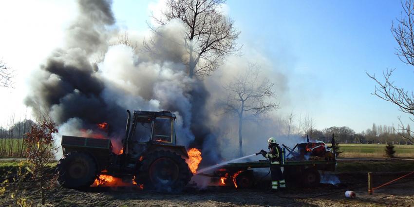 Tractor in Sint Oedenrode vat vlam