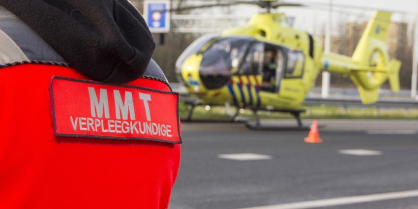 Voetganger zwaargewond na aanrijding met personenauto