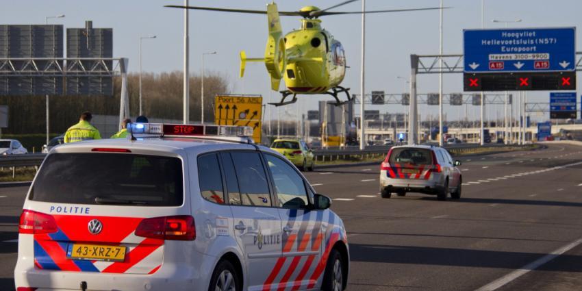 Twee gewonden bij aanrijding A15 Rotterdam
