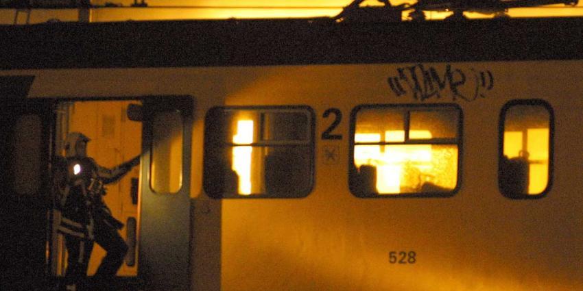 Brand in passagierstrein bij station Sloterdijk