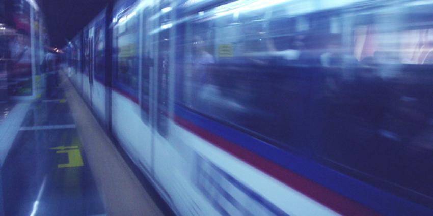 'Tenmiste 1 doden en tientallen gewonden bij treinongeluk in New Jersey'