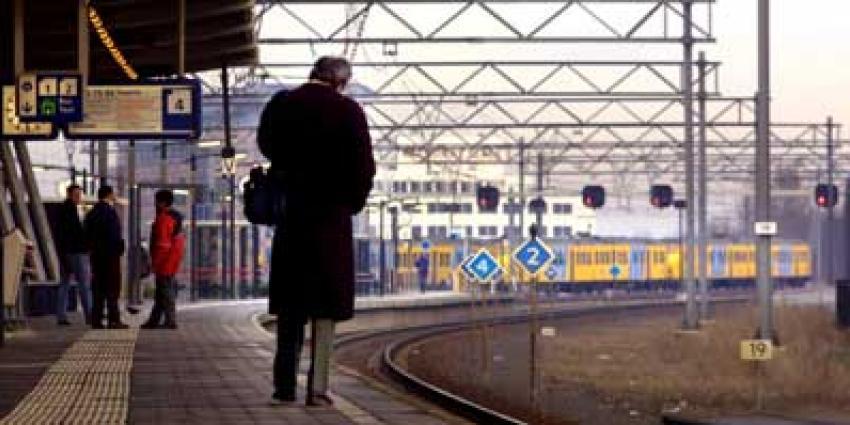 Vanaf zondag doordeweeks elk half uur standaard een trein